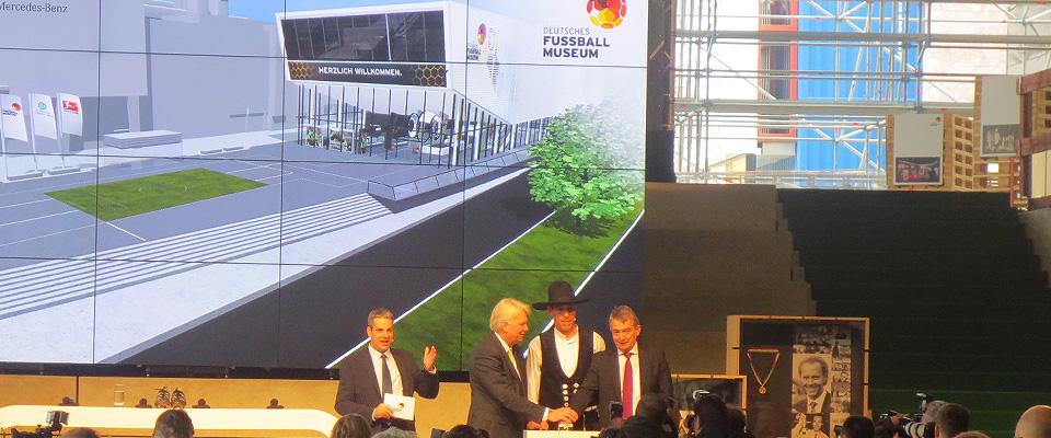 Deutsches Fußballmuseum feiert Richtfest