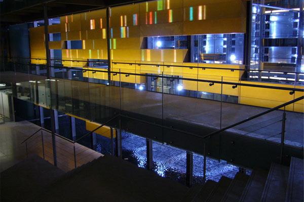Serono World Research Center Genf
